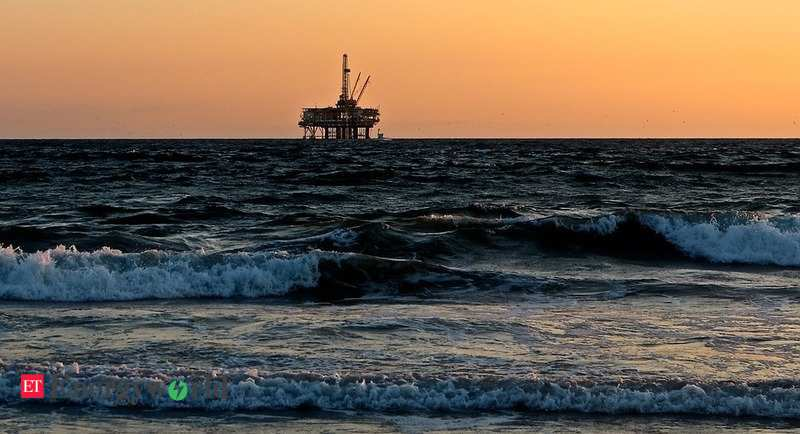 Libya's oil and gas revenues fall by $455 million in August versus
