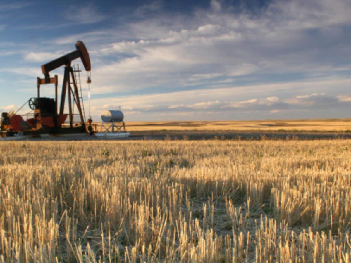 COLUMN-Oil traders bet on Saudi Arabia and White House