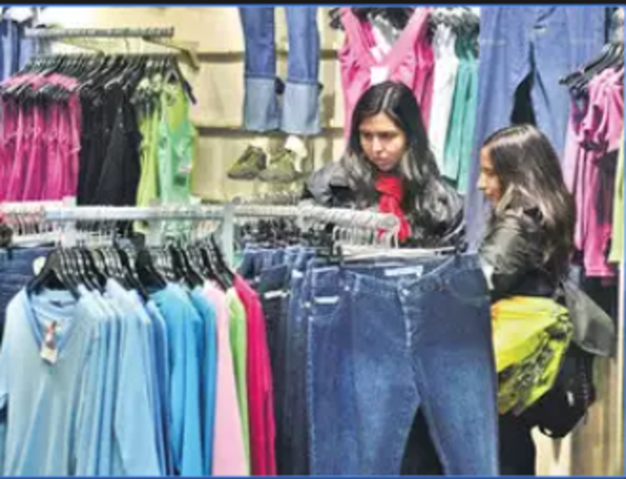 225327e31 dressbarn: Women's clothing chain Dressbarn to close all its 650 stores,  Retail News, ET Retail