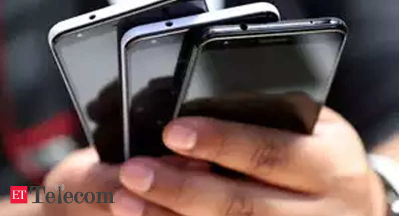 Mobile phone sales set to contract by 2.4% this year: Report - ETTelecom.com thumbnail