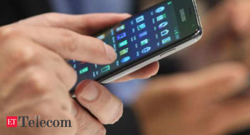 Smartphone brands staring at 5 mn shipment loss due to lockdown in various states - ETTelecom.com
