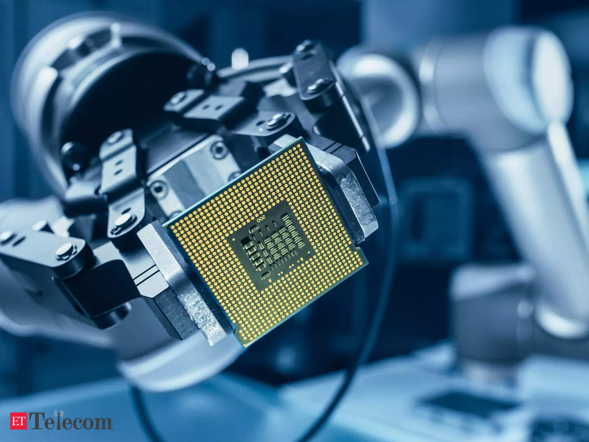 labor shortages hit electronics makers as chip drought persists causing delays.
