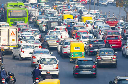 now pay a fine of inr 10 000 for old petrol and diesel cars delhi govt