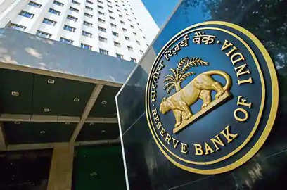 rbi says economy to contract at 7 5 for fy21 predicts growth to turn positive in second half