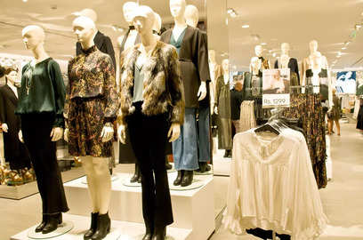 reliance retail acquires a controlling stake in designer ritu kumar s company