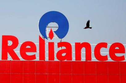 reliance retail q2 results profit declines 14 revenue flat