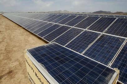 renewable energy powers ahead in 2020 report