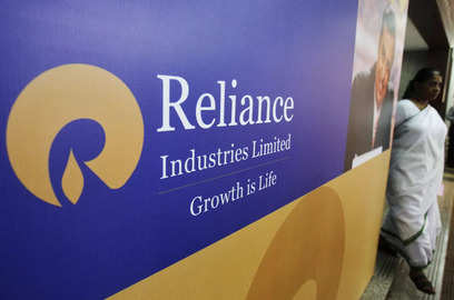 ril says it will bear all cost for covid 19 vaccine for employees and family