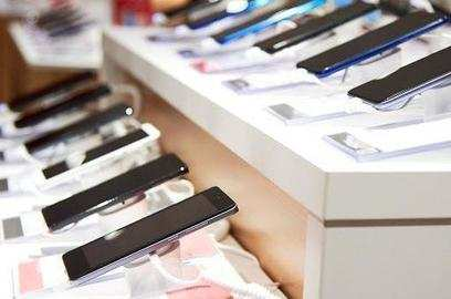 smartphone firms set to ship 52 million devices in q3