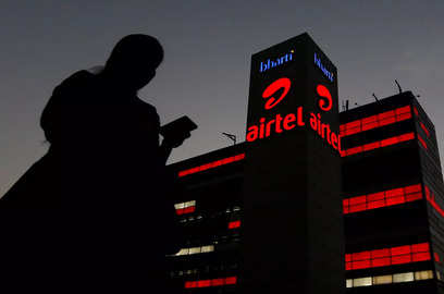 subscriber additions to drive jio s q2 show tariff hikes to aid airtel vodafone idea analysts
