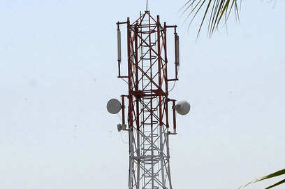 telcos expect 10 15 fall in recharge volumes on covid restrictions