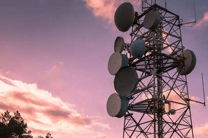 uvarcl to move sc against nclat order preventing aircel from selling spectrum
