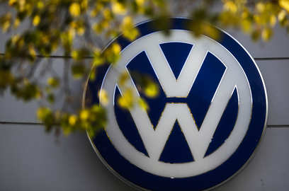 volkswagen eyes comeback with rs 8 000 crore investment